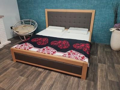 Masivní postel BUK DAVID